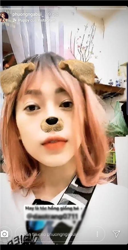 Mái tóc hồng ngắn ngang vai cực kỳ đáng yêu…