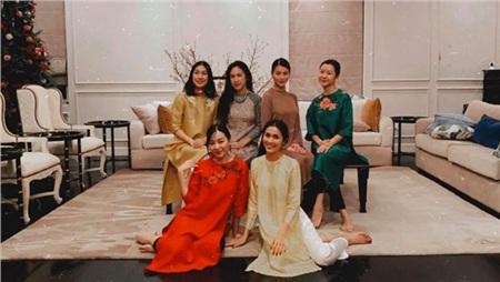 Vợ chồng Tăng Thanh Hà diện áo dài truyền thống trong bữa tiệc tất niên 4