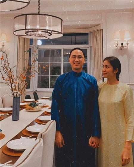 Vợ chồng Tăng Thanh Hà nắm chặt tay nhau trong những ngày cuối năm Kỷ Hợi