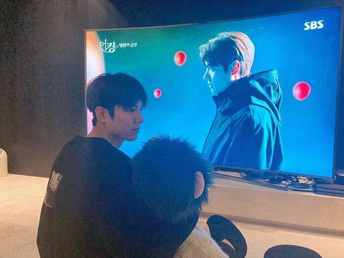 Rating phim 'Quân vương bất diệt' giảm trước hai tập cuối - Lee Min Ho ngồi xem Lee Gon 3