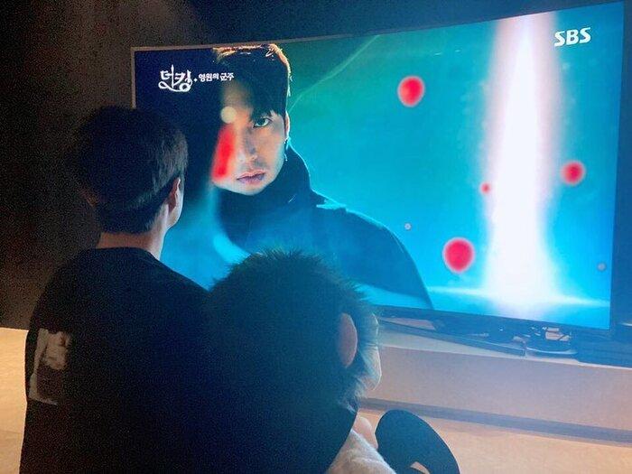 Rating phim 'Quân vương bất diệt' giảm trước hai tập cuối - Lee Min Ho ngồi xem Lee Gon 4