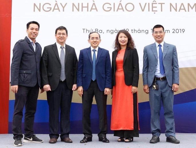 TS Đào Văn Dương và lãnh đạo Trường ĐH Phenikka