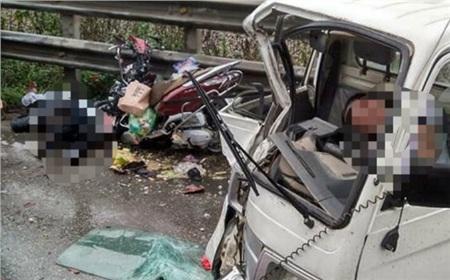 Hiện trường vụ tai nạn giao thông xảy ra tại huyện Thường Tín.