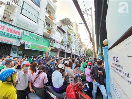 Quang cảnh tại đường Nguyễn Giản Thanh sáng 16/2.