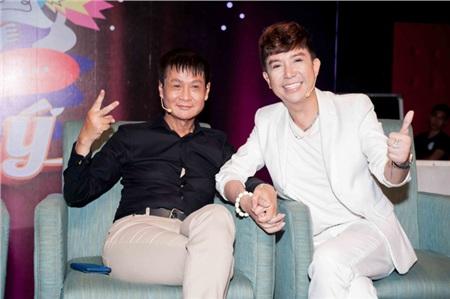 Long Nhật bên đạo diễn Lê Hoàng.