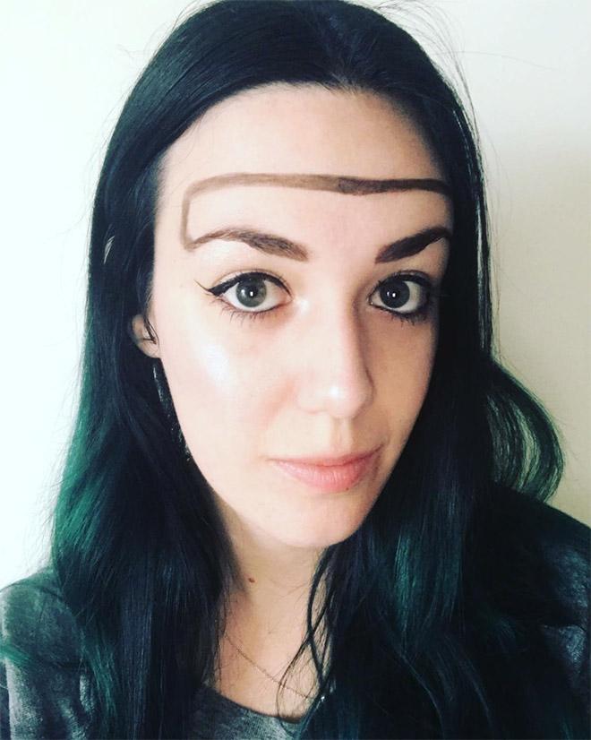 Trend mới kỳ quặc của phái đẹp trên Instagram: Các chị em xê ra để lông mày nhọ nồi 'vô cực' lên ngôi! 12