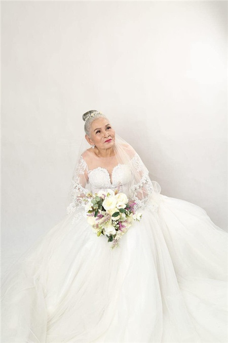Bộ ảnh cưới đặc biệt của hai cụ già U80 khiến dân mạng nhiệt tình 'thả tim' 2