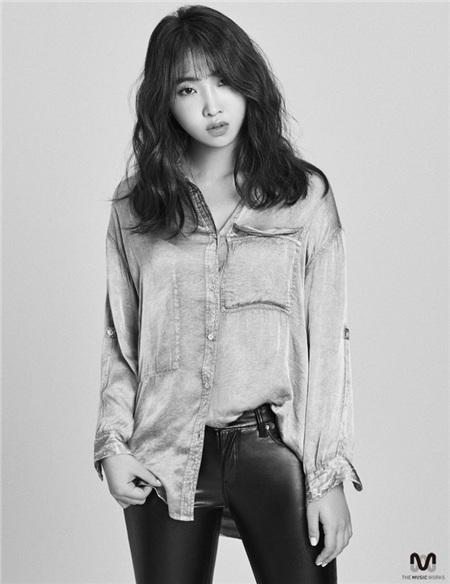 Minzy đã đệ đơn xin đình chỉ hiệu lực hợp đồng và số tiền bồi thường thiệt hại 50 triệu won từ công ty.