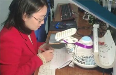 Dạy và học trực tuyến mùa dịch: 'Tôi vốn là một giáo viên, vì dịch virus COVID-19 mà buộc trở thành streamer' 1