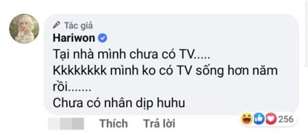 Hari Won khoe ảnh Trấn Thành hát karaoke 'cực sung' cùng hàng xóm, nhưng fan lại soi ra chi tiết sai quá sai này… 2