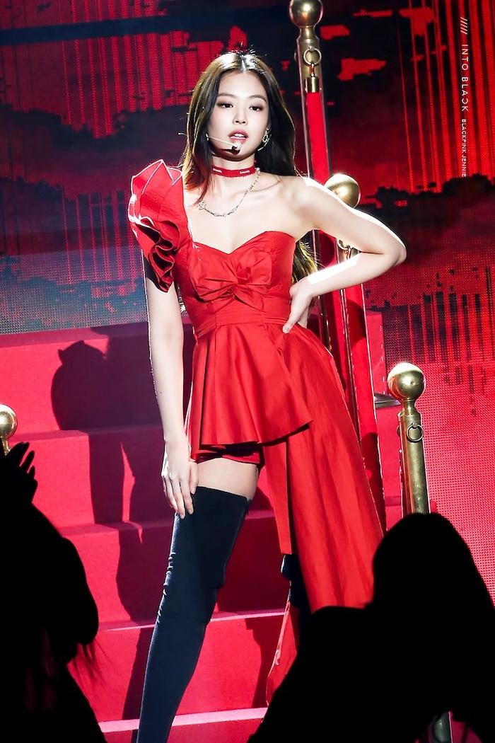 Ở BXH thương hiệu thành viên girlgroup, Jennie luôn nằm trong top đầu, có lần nữ idol còn đứng nhất 6 tháng liên tiếp.