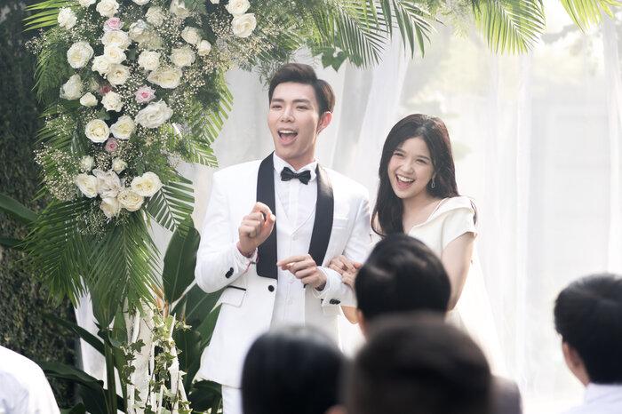 Hình ảnh của ERIK và Suni Hạ Linh trong MV mới.