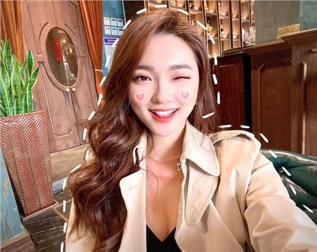 Bạn gái cũ của Phan Văn Đức lại có màn 'thả thính' trên mạng xã hội.
