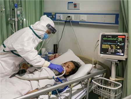 Covid-19 nguy hiểm cả với người trẻ: Chia sẻ của một bác sĩ tuyến đầu cho thấy nó tàn phá phổi người bệnh như thế nào 2