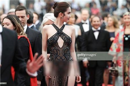 Ngọc Trinh tự hào gọi ồn ào gây sốc ở thảm đỏ LHP Cannes là 'màn trình diễn để đời' 1