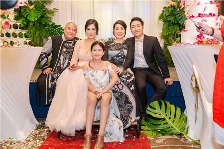 Nhân ngày của Cha, kể về những ông bố dượng tuyệt vời nhất showbiz Việt: Chính trái tim đã khiến chúng ta trở thành cha con 3