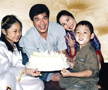 Nhân ngày của Cha, kể về những ông bố dượng tuyệt vời nhất showbiz Việt: Chính trái tim đã khiến chúng ta trở thành cha con 2