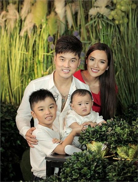 Nhân ngày của Cha, kể về những ông bố dượng tuyệt vời nhất showbiz Việt: Chính trái tim đã khiến chúng ta trở thành cha con 5