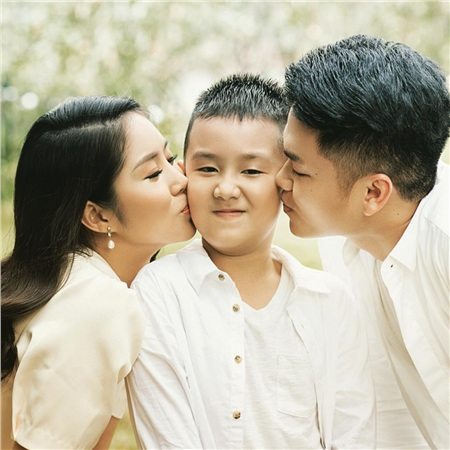 Nhân ngày của Cha, kể về những ông bố dượng tuyệt vời nhất showbiz Việt: Chính trái tim đã khiến chúng ta trở thành cha con 6