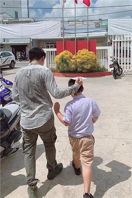 Nhân ngày của Cha, kể về những ông bố dượng tuyệt vời nhất showbiz Việt: Chính trái tim đã khiến chúng ta trở thành cha con 7