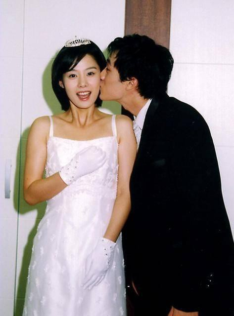 So Ji Sub và tình yêu ở tuổi 42: Sau 20 năm chờ đợi cuối cùng cũng đã đủ dũng khí để yêu đương, chân chính bảo vệ người con gái của riêng mình 3
