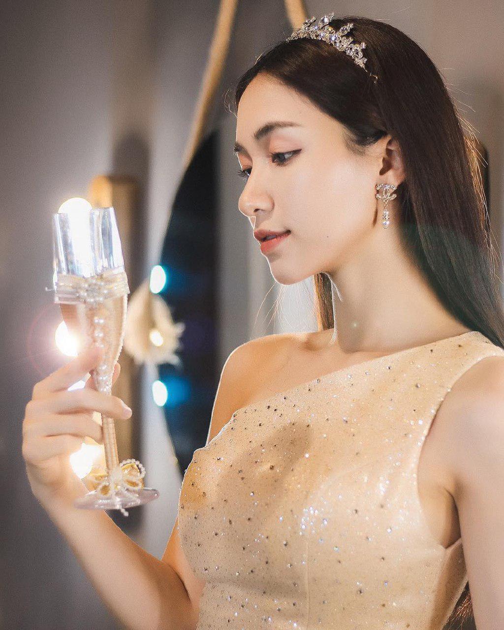 Hòa Minzy gây tranh cãi vì quá gay gắt trước lời khuyên chân thành của fan 2
