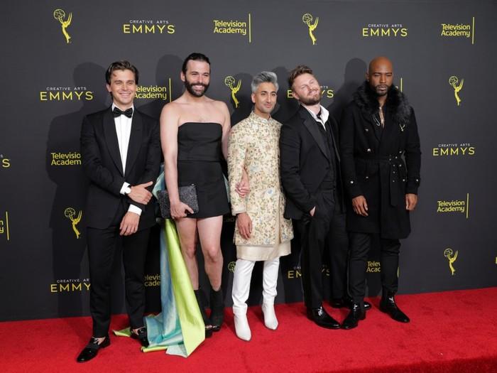 Nam diễn viên Jonathan Van Ness gây sốc khi mặc váy cúp ngực bó sát trên thảm đỏ 3