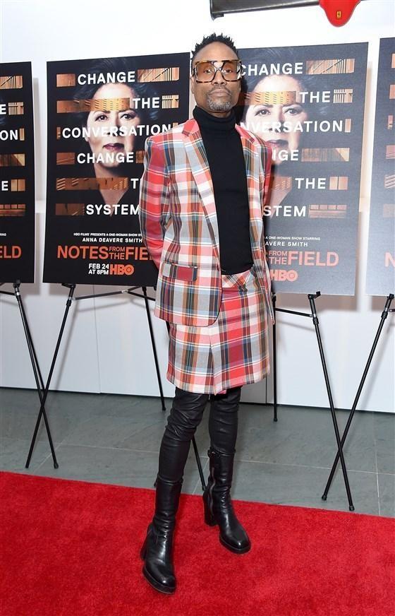 Nam diễn viên Jonathan Van Ness gây sốc khi mặc váy cúp ngực bó sát trên thảm đỏ 6