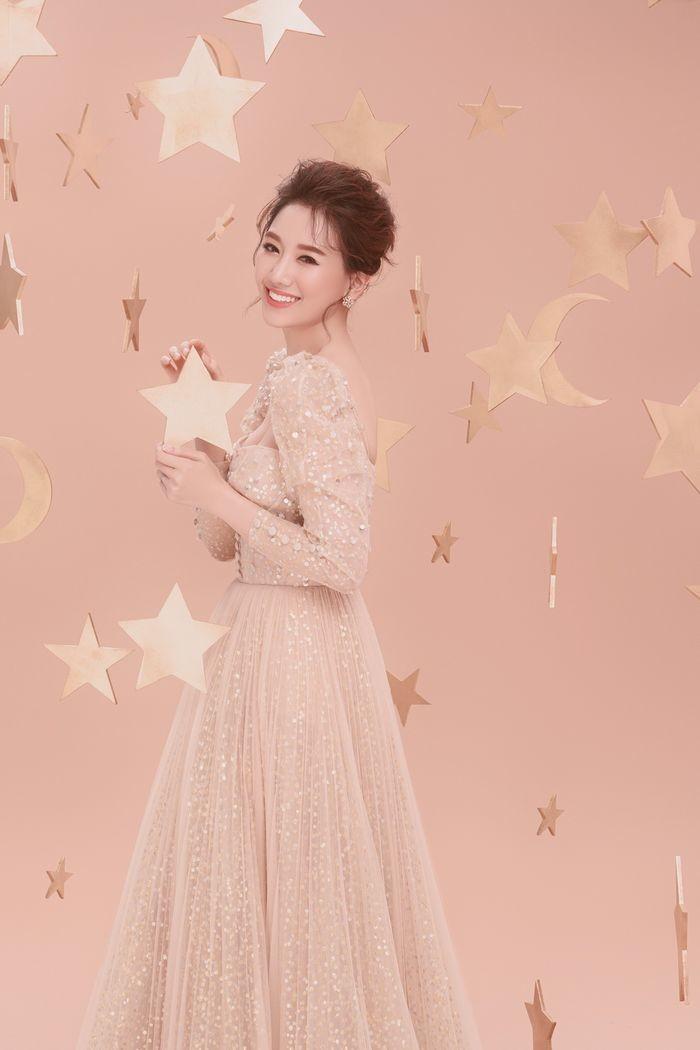 Hari Won sẽ tổ chức mini concert đầu tiên và lớn nhất trong sự nghiệp vào ngày 21/9 tới đây.
