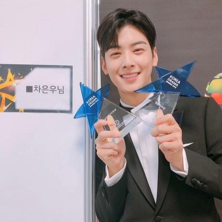 Korea Drama Awards 2018: 'Marry Me Now', Cha Eun Woo và Chansung nhận giải thưởng lớn - 'Chị đẹp' trắng tay 9