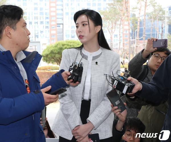 SBS câu giờ công khai danh tính toàn bộ chatroom của Seungri để dìm vụ sao nữ 'Vườn sao băng' tự tử? 7