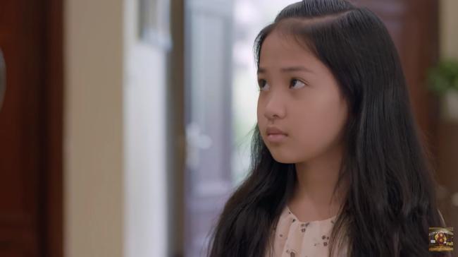 'Những cô gái trong thành phố': Con gái Chí Nhân nổi trận lôi đình vì bố tặng xe máy cho cô giúp việc 0