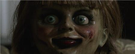 'Annabelle 3' tung trailer ma quái, xác nhận búp bê đã trở về nhà 0