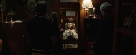 'Annabelle 3' tung trailer ma quái, xác nhận búp bê đã trở về nhà 1