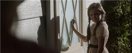'Annabelle 3' tung trailer ma quái, xác nhận búp bê đã trở về nhà 5