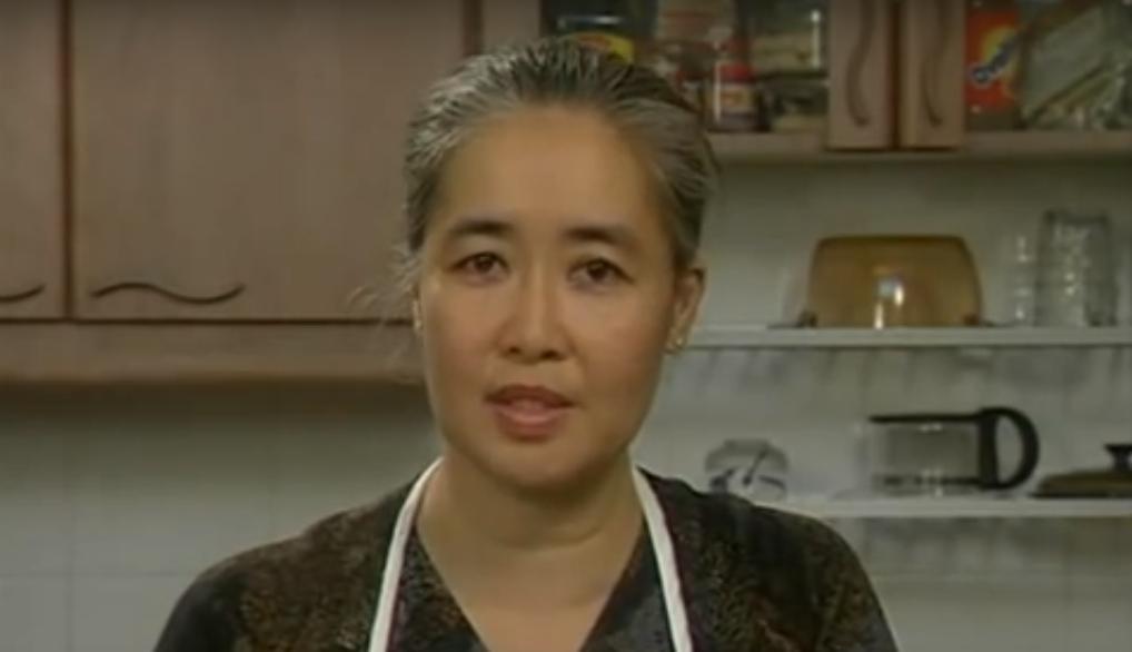Nguyễn Dzoãn Cẩm Vân - 'huyền thoại' màn ảnh nhỏ giúp thổi lửa bao gian bếp gia đình Việt bất ngờ xuất gia ở tuổi 65 3