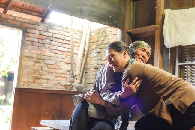 Cảnh Thị Bình gặp lại dì Bảy khiến ai cũng xót xa.