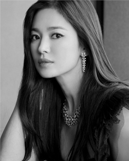 Tết độc thân đầu tiên kể từ khi ly hôn Song Joong Ki, Song Hye Kyo vui vẻ đón năm mới bên nhân vật này 1