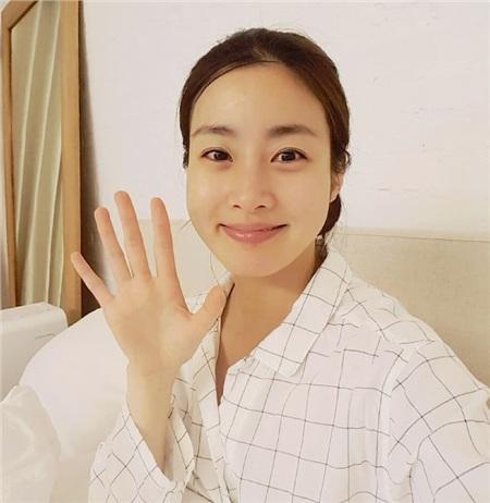 Điểm chung bất ngờ giữa bạn gái công khai và 'tình tin đồn' của Hyun Bin: Tất cả đều sở hữu những nét nổi bật này, hóa ra gu 'đại úy' Ri thích là như vậy 6