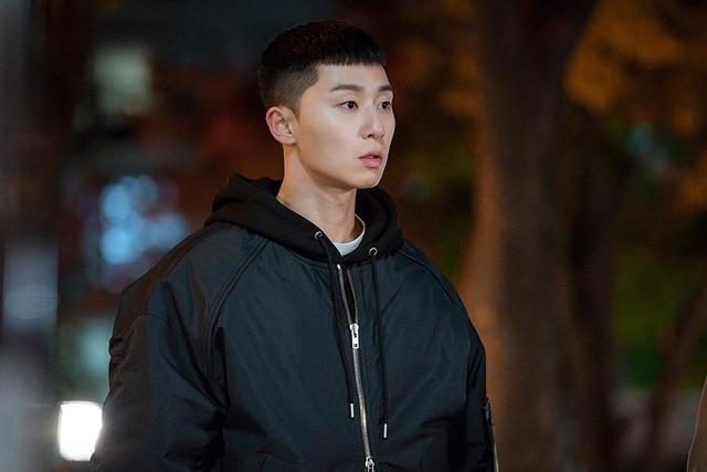 Stylist tiết lộ bí quyết giữ gìn kiểu tóc của Park Seo Joon trong 'Itaewon Class' 2