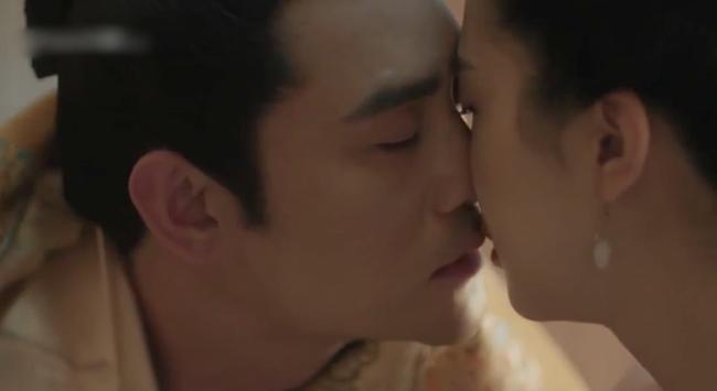 Vừa ra mắt 'Thanh Bình Nhạc' đã đạt Douban 8.1, Vương Khải gây đỏ mặt vì nói lời nhạy cảm sau cảnh nóng 9