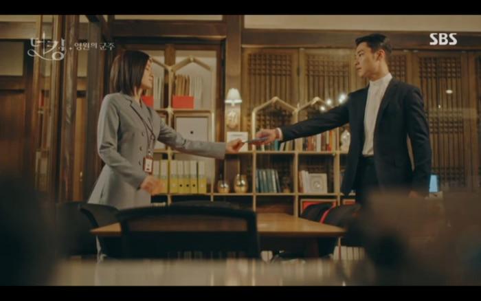 Seung Ah dùng mối quan hệ của Jo Young và Lee Gon đánh lạc hướng dư luận.