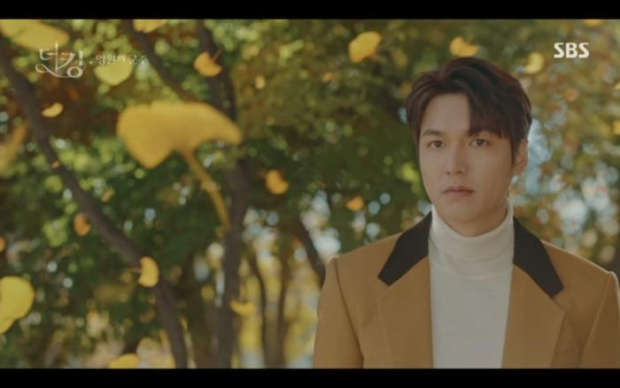 'Quân vương bất diệt' tập 3: Lee Min Ho chia tay Kim Go Eun để trở về thế giới cũ? 22