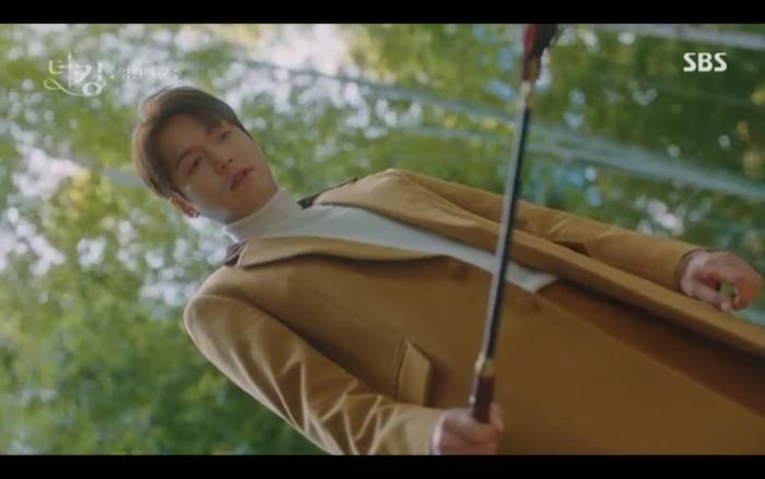 'Quân vương bất diệt' tập 3: Lee Min Ho chia tay Kim Go Eun để trở về thế giới cũ? 29
