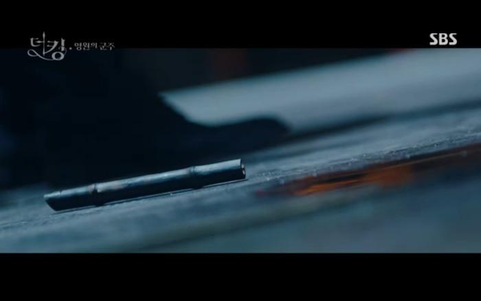'Quân vương bất diệt' tập 3: Lee Min Ho chia tay Kim Go Eun để trở về thế giới cũ? 28