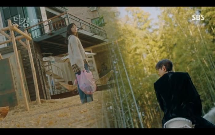 'Quân vương bất diệt' tập 3: Lee Min Ho chia tay Kim Go Eun để trở về thế giới cũ? 36