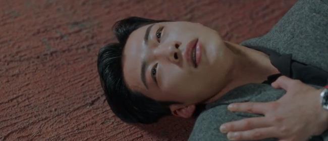 Cực hot tập 12 'Quân vương bất diệt': Đỏ mặt cảnh hôn nóng bỏng của Lee Min Ho và Kim Go Eun ngay trên giường 3