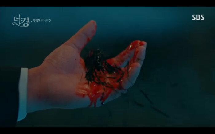 'Quân vương bất diệt' tập 14: Kim Go Eun đau khổ vì Lee Min Ho mắc kẹt ở quá khứ không thể trở về 6