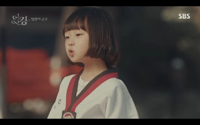 'Quân vương bất diệt' tập 14: Kim Go Eun đau khổ vì Lee Min Ho mắc kẹt ở quá khứ không thể trở về 15