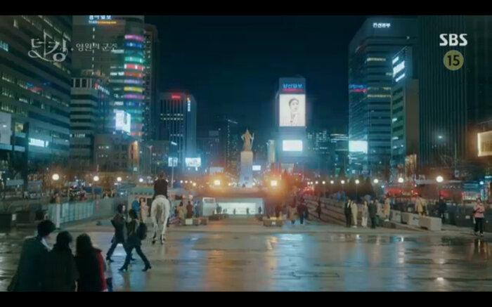 'Quân vương bất diệt' tập 14: Kim Go Eun đau khổ vì Lee Min Ho mắc kẹt ở quá khứ không thể trở về 33